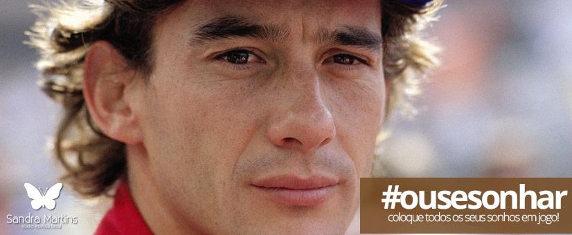"""Vocês todos que assistirem e estão assistindo agora. Eu digo que seja quem você for, seja qualquer posição que você tenha na vida, num nível altíssimo ou mais baixo social, tenha sempre como meta muita força. Muita determinação, e sempre faça tudo com muito amor e com muita fé em Deus, Que um dia você chega lá. De alguma maneira você chega lá."""" Ayrton Senna"""