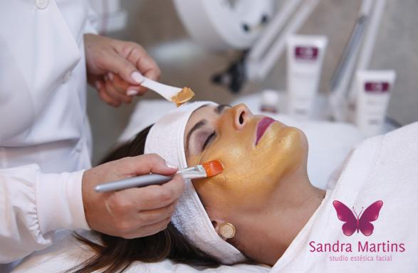 Hidratação Magnética de Ouro. Um tratamento de renovação celular facial com hidratação intensiva. Mais do que essencial para os cuidados da pele com o clima e umidade de Brasília.