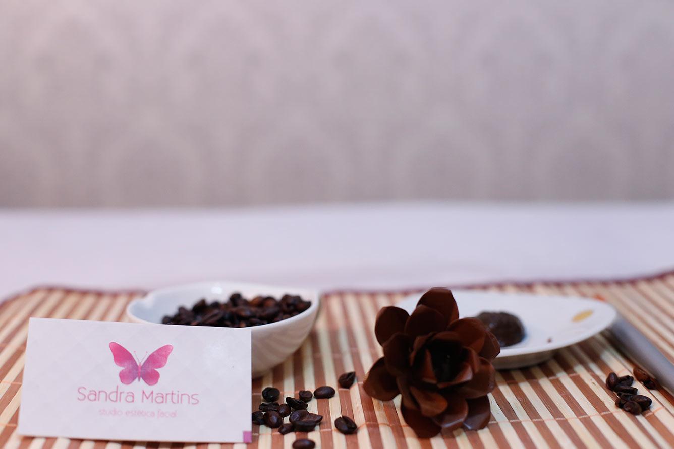 Se você é de Brasília, Águas Claras, Vicente Pires, Samambaia, Taguatinga e Ceilândia venha fazer seudesign de sobrancelha com aplicação de henna no Studio Sandra Martinsem Taguatinga Norte peloTelefone (61) 3371-9813.