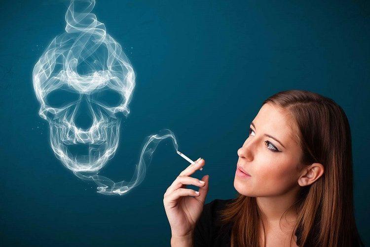 Manchas na pele, rugas, flacidez, ressecamento. Conheça 5 danos causados pelo cigarro e como recuperar a pele. Saiba como recuperar os danos na pele causados pelo cigarro