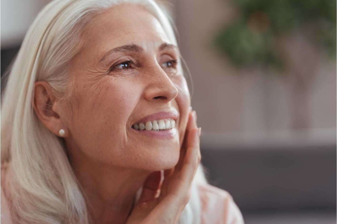Uma pele envelhecida nem sempre é sinal de idade avançada, muitas vezes ela está relacionada ao estilo de vida da pessoa.