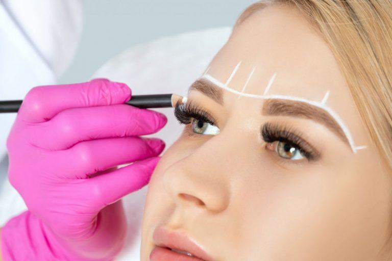 Descubra agora 5 dicas de cuidados com as sobrancelhas que irão realçar sua beleza. Aprenda cuidados diários para que os pelos estejam sempre saudáveis