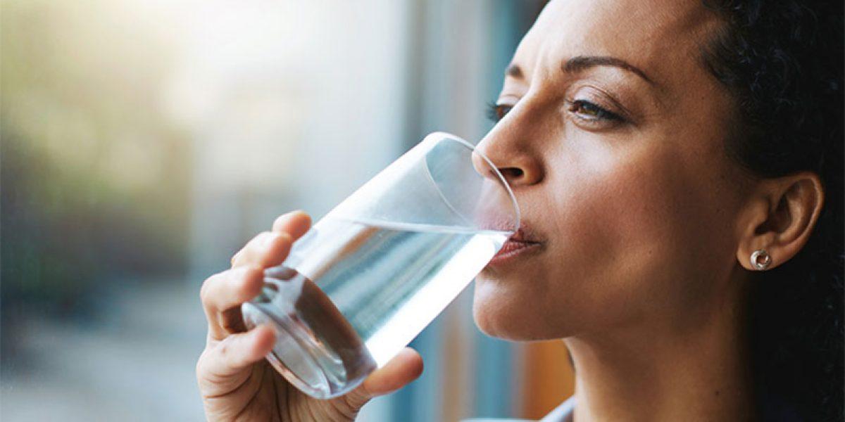4 dicas para manter a pele e o corpo hidratado no clima de Brasília