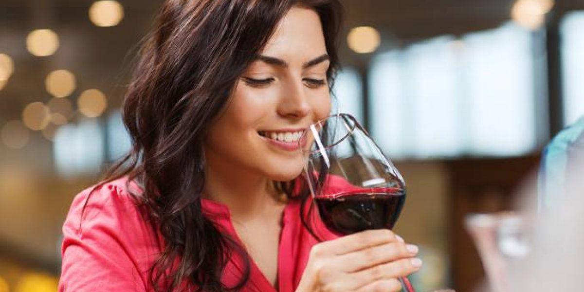 Do combate do Alzheimer a diabetes e acne, novos estudos mostram dez benefícios do consumo do vinho tinto